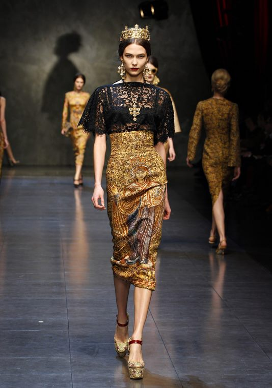 Dolce   Gabbana Fall Winter 2013-14 digital textile Collection Milan  Fashion Week (1) 7a3d7e3ee5d